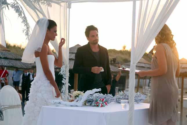Matrimonio Spiaggia Monopoli : Oggi sposi matrimonio in spiaggia per bianca guaccero