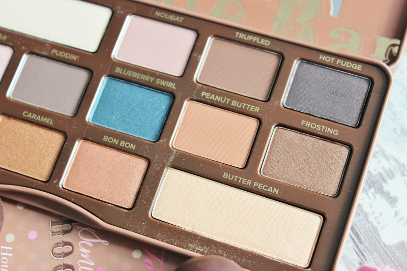 Too Faced Semi-Sweet Chocolate Bar palette review, shadow close up