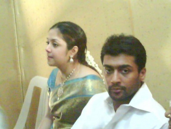 Surya Photos Latest http://tamilmoviegoogle.blogspot.com/2012/09/actor-surya-and-jyothika-latest-family.html