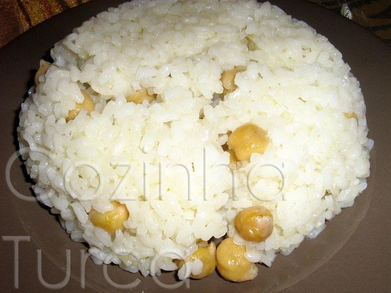 Pilaf de Arroz com Grão-de-Bico (Nohutlu Pirinç Pilavı)