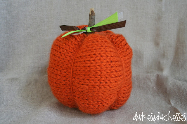 knitted pumpkin with Lion Brand yarn