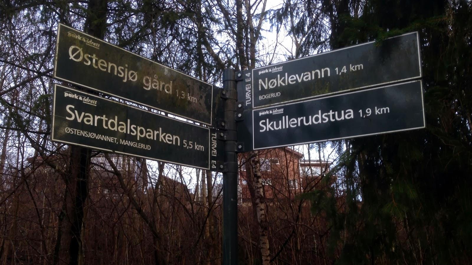 Turveiene er godt skiltet og det er fine muligheter for å utvide turen til en lenger runde.