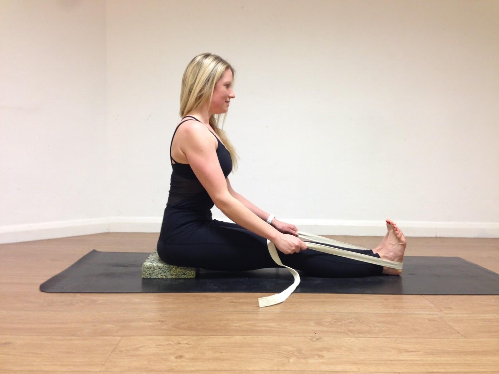 Seated Forward Fold (Paschimottanasana) | Yoga for runners