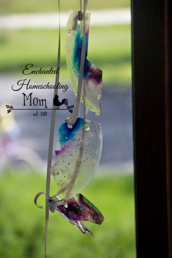 Gelatin Sun Catchers Kids Craft - Enchanted Homeschooling Mom