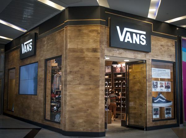 Vans-abre-segunda-tienda-en-Bogotá