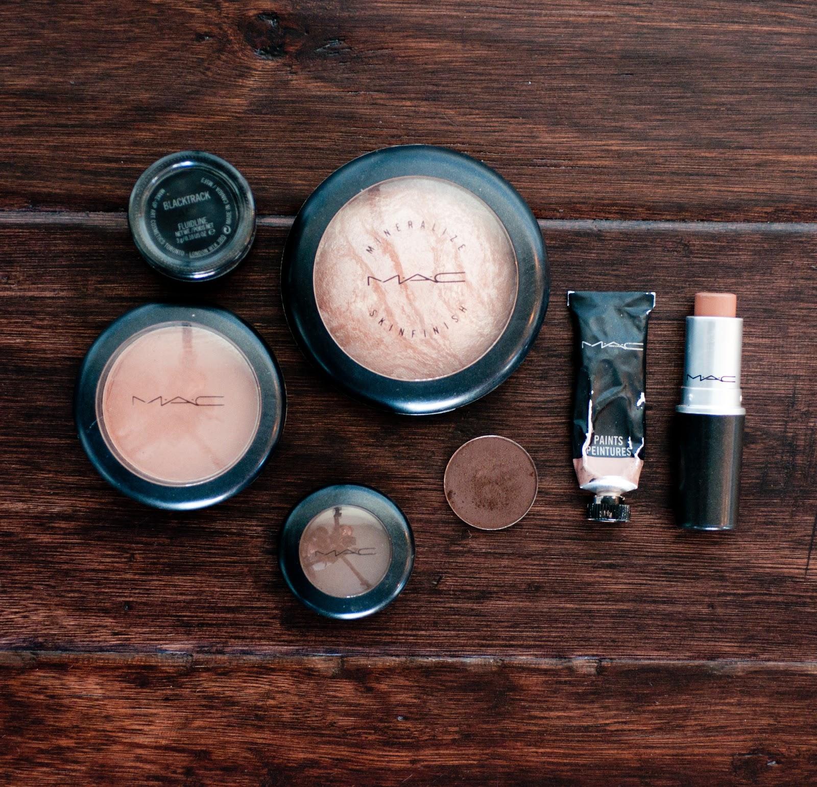 blush, fluid line, black track, harmony, brozner, mac, mac make up review, mac makeup, eyeshadow, lipstick, hard wood floor, dark hardwood