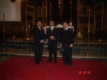 Recogiendo el Premio de ganadores  del Concurso de Interpretación de Música de Capilla.