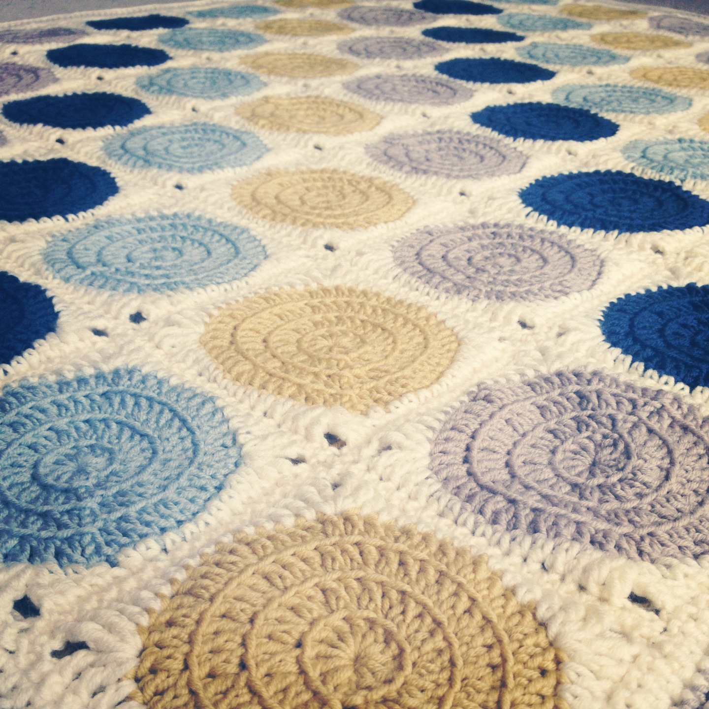 Retro Circle Crochet Blanket: Three beans in a pod retro circles the ...