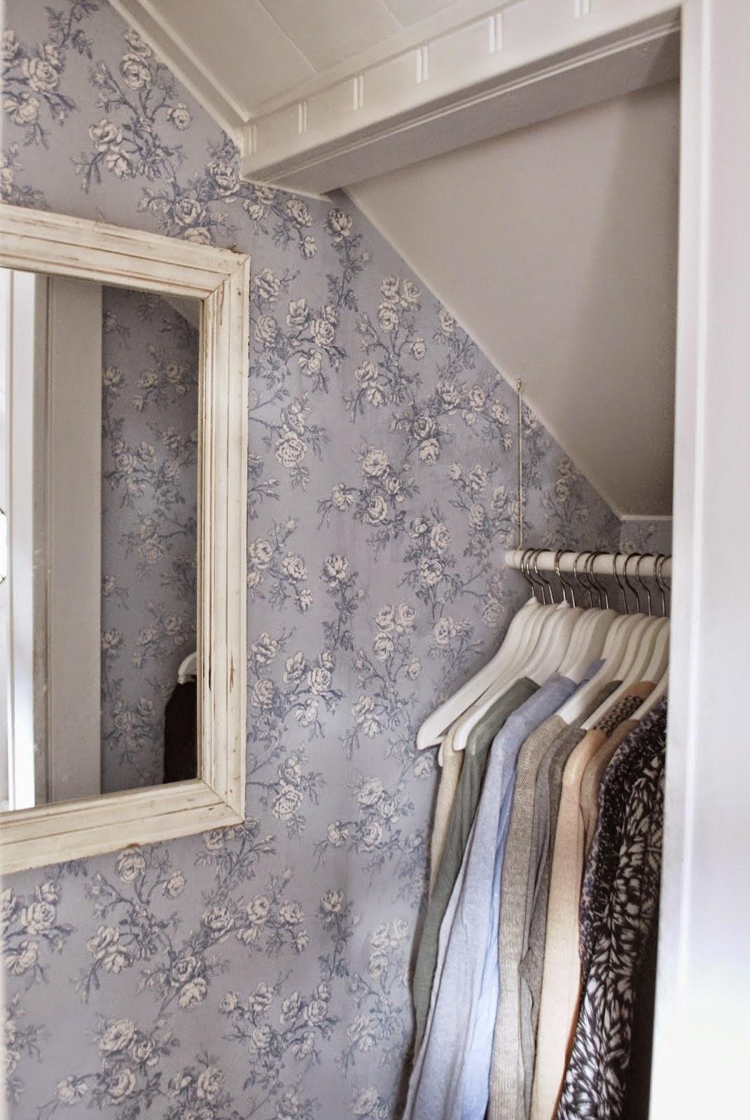 I mitt paradis: Garderober och förvaring i gamla hus : bygga garderob skjutdörrar : Garderob
