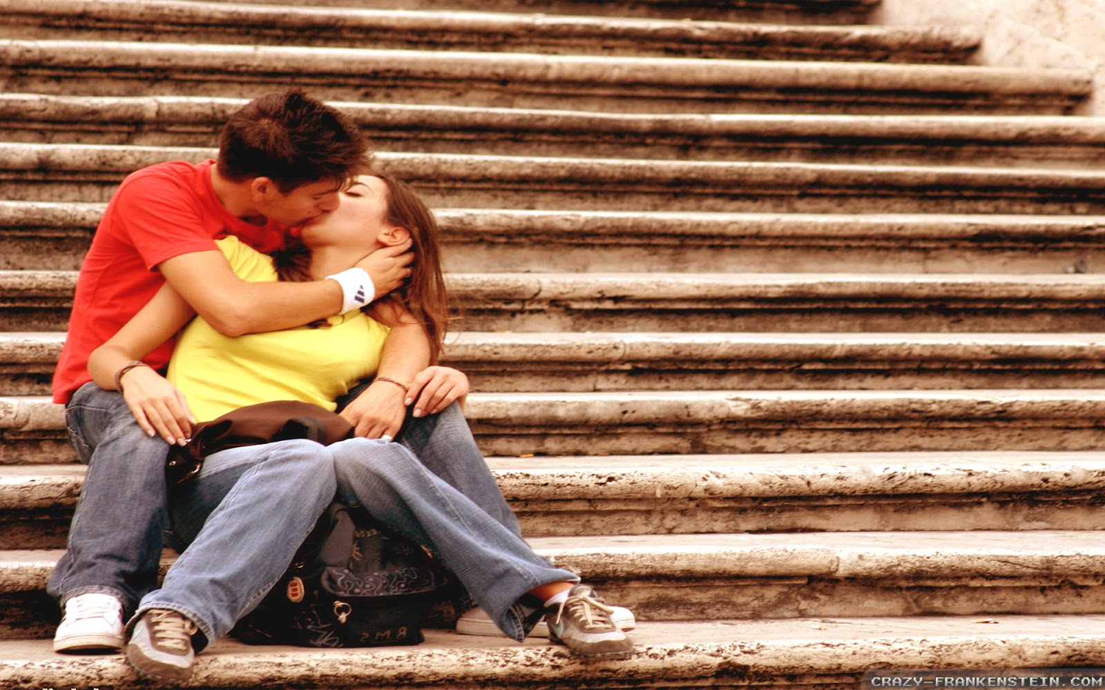Romantic Kissing Style Images for Lovers