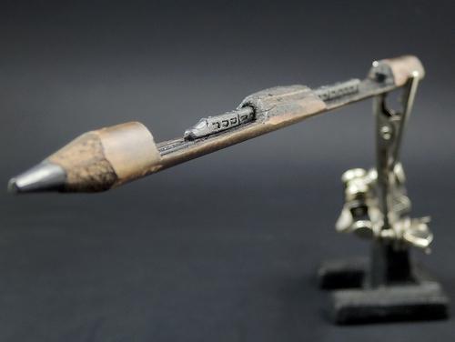 00-Jasenko-Đorđević-Miniature-Sculptures-in-Pencil-Graphite-Lead-www-designstack-co