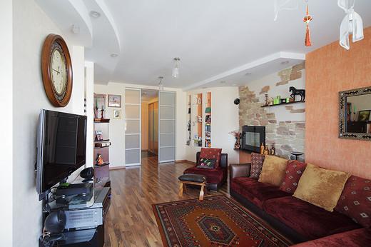 Desain Rumah Apartemen dengan Furnitur Warna Cantik