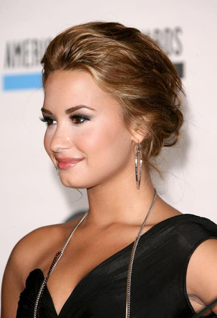 Girls Updo Hairstyle Ideas - Demi Lovato Updo Hairstyles