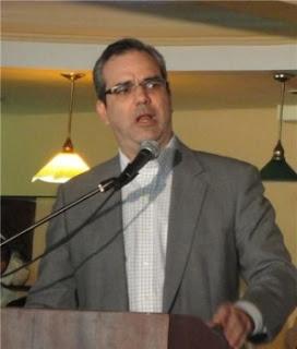 Abinader: el gobierno es que debe explicar vínculos con el extraditable