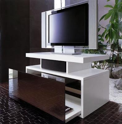 http://3.bp.blogspot.com/-a0PzwcIyRck/UwmnAM21kmI/AAAAAAAAE5U/wUi12uxTOCE/s1600/desain+meja+TV+modern.jpg