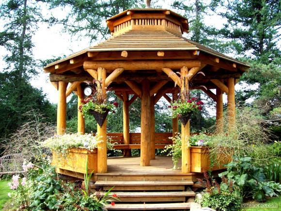 Jardins du monde: Aménager son jardin : Le kiosque en bois