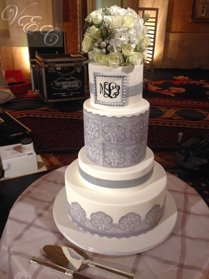 Van Earls Cakes White Amp Grey Lace Wedding Cake