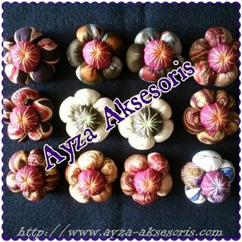 Bros Bunga Bantal Batik - Ayza Aksesoris