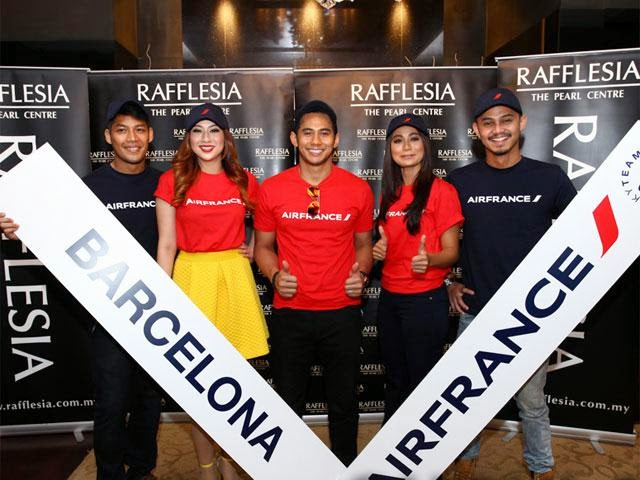 Air France, Rafflesia Bawa Lima Selebriti Popular Ke Barcelona