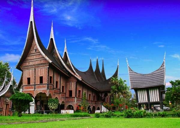 rumah gadang rumah adat sumatera barat tradisikita