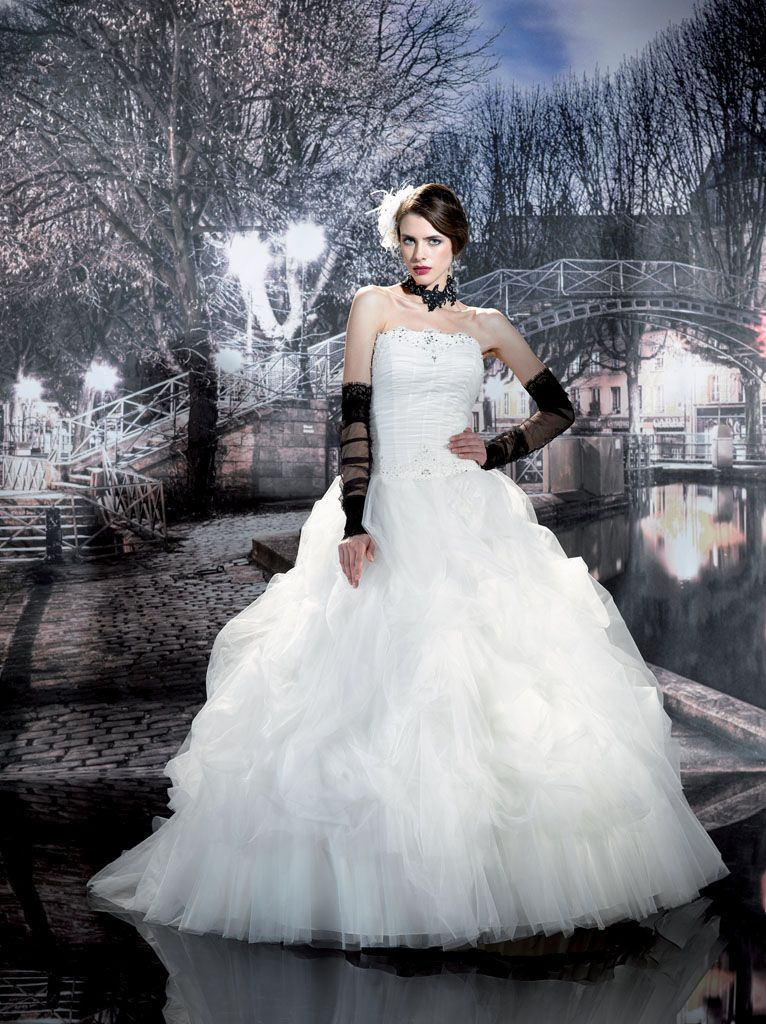 robes de mariage robes de soir e et d coration robe de mari e miss paris. Black Bedroom Furniture Sets. Home Design Ideas
