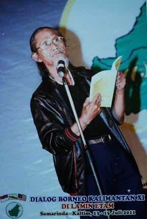 Baca puisi di Pertemuan Borneo