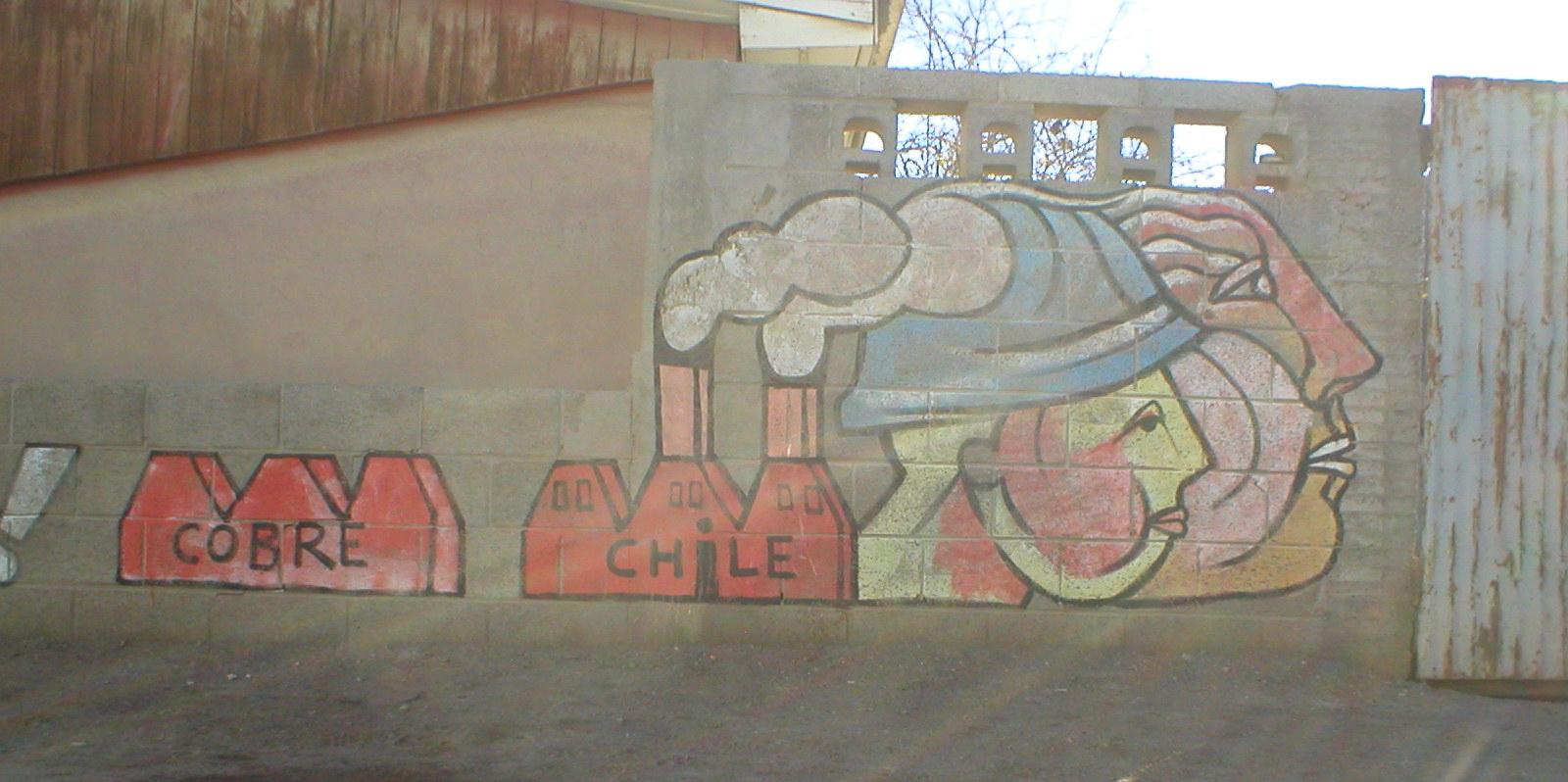 Mono gonz lez murales por los 40 a os del golpe en chile for Mural metro u de chile