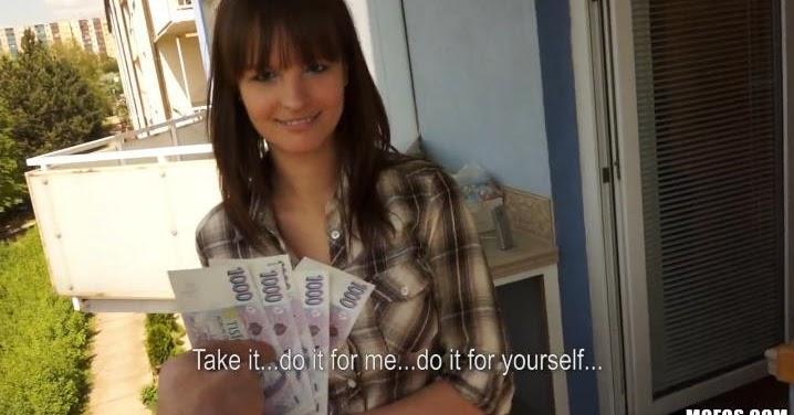 Rus kızı sokakta para karşılığında sikiyor  Porno izle