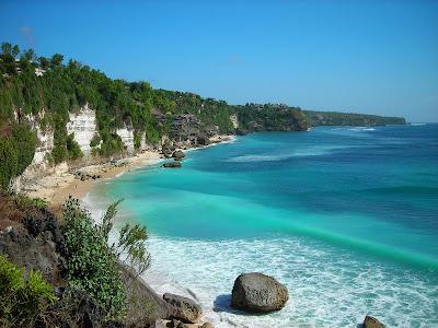 http://3.bp.blogspot.com/-a1q-GvqVXFk/TcqIqk06sWI/AAAAAAAAAjo/9k0S6nfeZOQ/s1600/dreamland-beach-bali.jpg