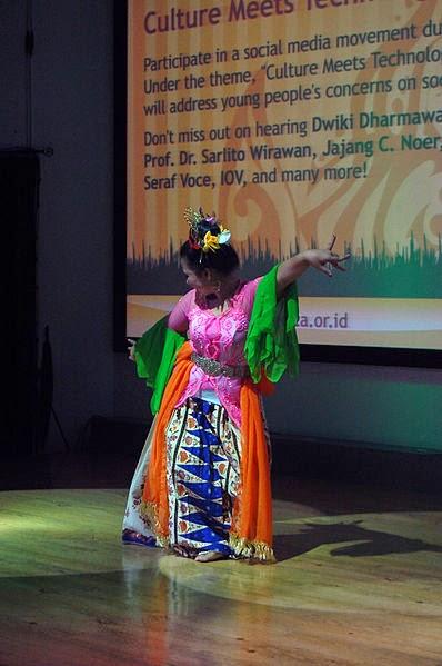 Tari Nandak Ganjen Tarian Yang Berasal dari Daerah Betawi