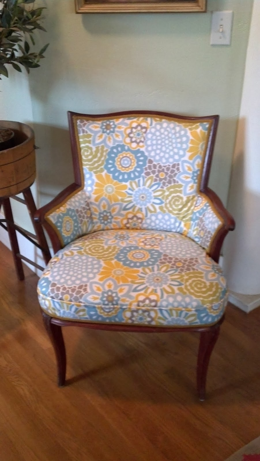 I am not good at this by any means, but it was fun to try it. I have made  slip covers before, for chairs. And took a few upholstery classes over the  ... - Windmill Farm: Upholstery Of Antique Chair