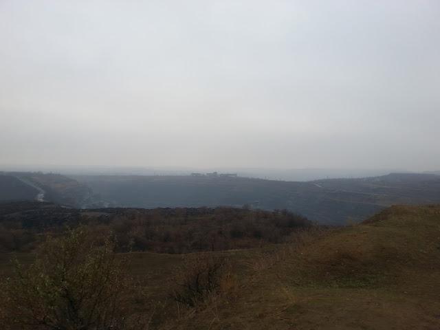 Вид на карьер АМКР с вершины Бурщицкого отвала