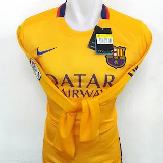 gambar desain terbaru musim depan photo kamera Jersey lengan panjang Barcelona away terbaru musim 2015/2016 di enkosa sport toko online jersey bola terpercaya