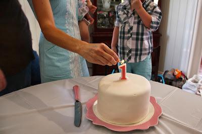 www.familyhomeblog.blogspot.com - Miss O's First Birthday Party - White Chocolate Mud Cake