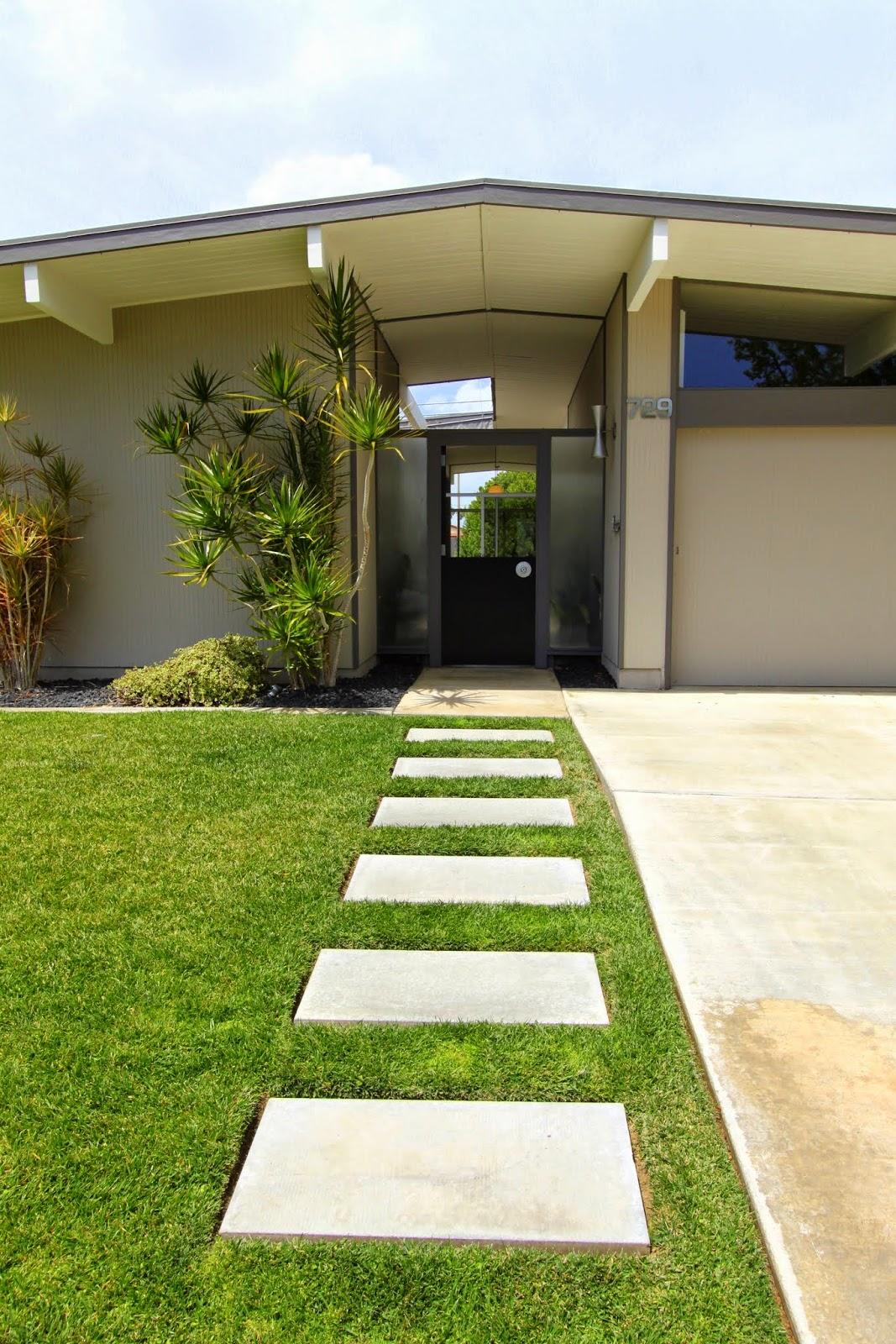 Mid century modern home tour psst it 39 s an eichler for Mid modern homes