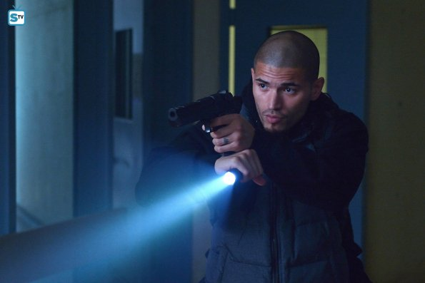 "The Strain - Fallen Light - Review: ""Love Is In The Air"""