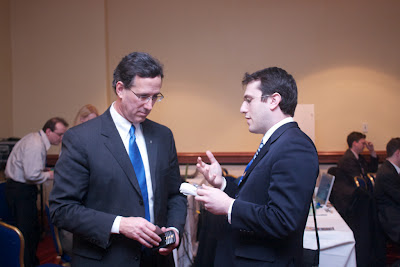 Rick Santorum speaks to bloggers at Bloggers Lounge