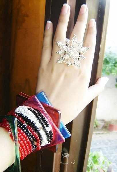 Latest Stacked Bangles Pic's - CoOl AnD StYlIsH Dp On Fb