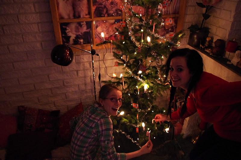 +christmas-christmas+tree-+norwegian+christmas+tree-+decorating ...
