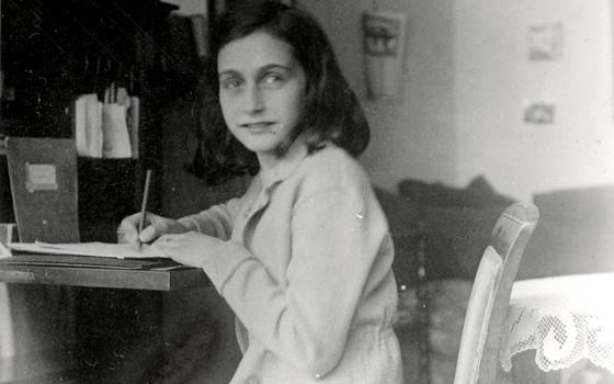 História Viva Trechos Do Diário De Anne Frank