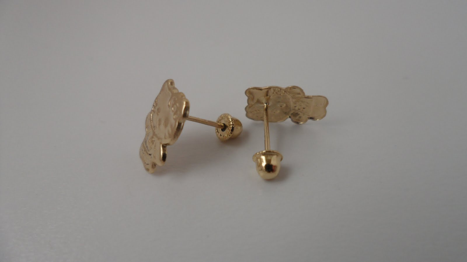 Hello Kitty Gold Earrings.: Hello Kitty 14k gold earings.
