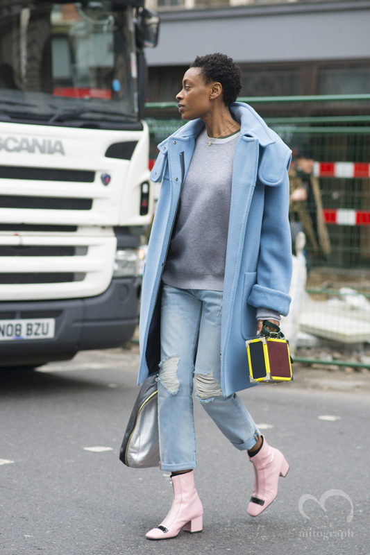 Donna Wallace leaves Sommerset house during London Fashion Week 2015-2016 Fall Winter LFW