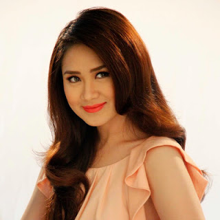 2013, Artist, Best Live Act, Entertainer of the year, Music, Music Awards, Sarah Geronimo, Vote, World Best Female Artist, World Music Awards,
