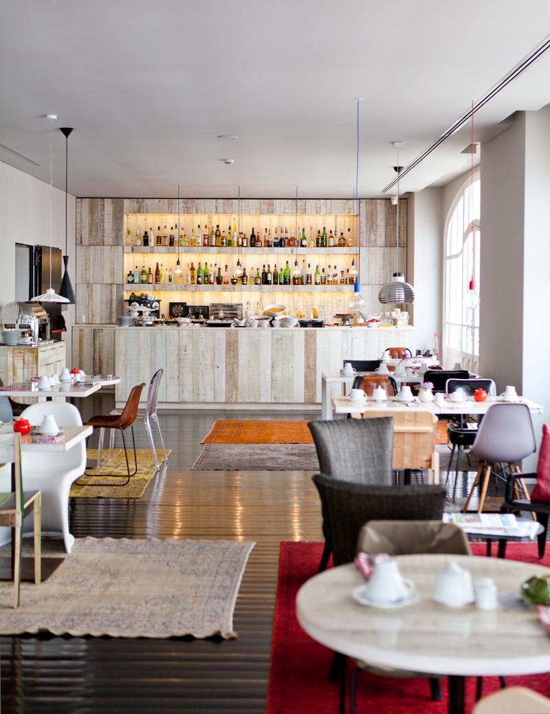 Tea cup tea breakfast at internacional design hotel for Design hotel lisbona