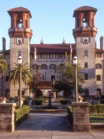LIGHTNER CITY HALL DANS LE ALCASAR HOTEL_______________
