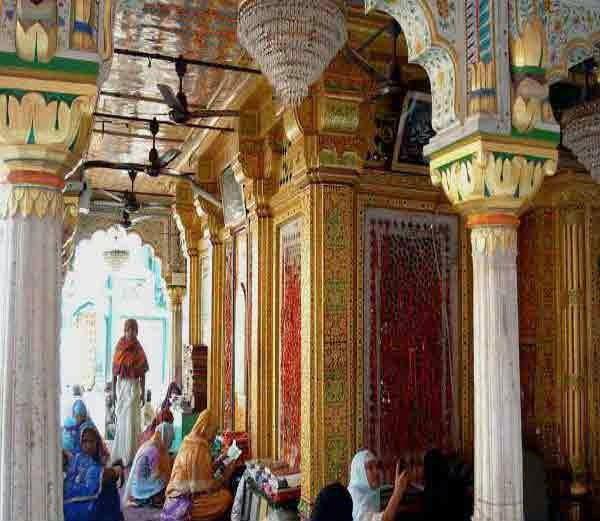 हजरत निज़ामुद्दीन औलिया की दरगाह, दिल्ली (Hazrat Nizamuddin Auliya Dargah, Delhi)