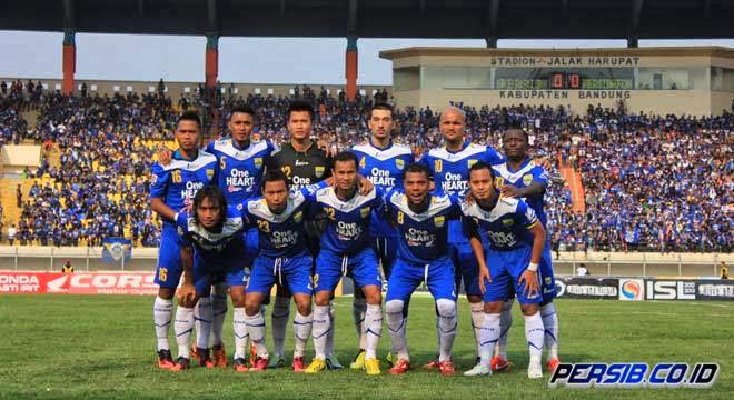 Persib Bandung Pimpin Klasemen