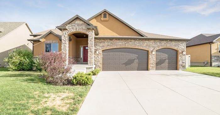Locate Utah Homes Spacious 3 Bedroom 2 Bathroom 3 Car Garage Rambler For Sale In Salt Lake City