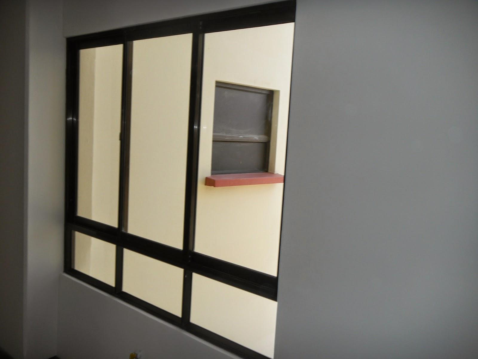 Puerta de aluminio con vidrio puerta aluminio x vidrio for Ventanas de aluminio color bronce