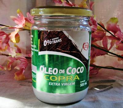 oleo de coco nos cabelos